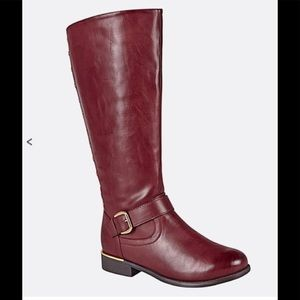 Avenue size 11 wide boot and wide calf